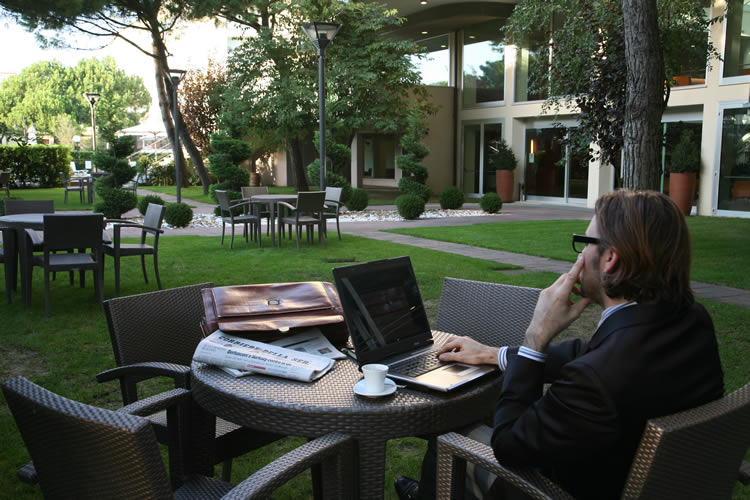 4hotel-embassy-boston-milano-marittima-business